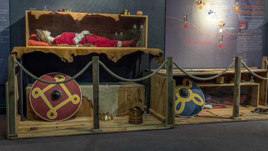 les m rovingiens le tr sor de saint dizier mus e de saint dizier. Black Bedroom Furniture Sets. Home Design Ideas